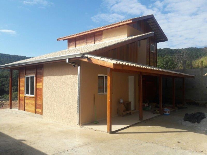 Casas pré-fabricadas de dois andares
